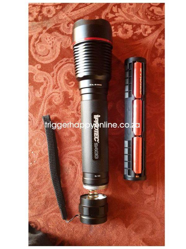 IPROTEC-PRO2400-2400-LUMEN-L.E.D-FLASHLIGHT