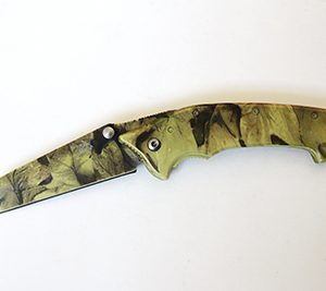 CAMO-FOLD-KNIFE
